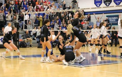 Girls Volleyball Continues onto Regional Finals