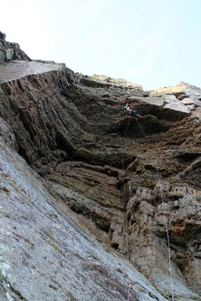 Nearly across the roof on Nightstalker, Craig Dorys © Benno Wagner