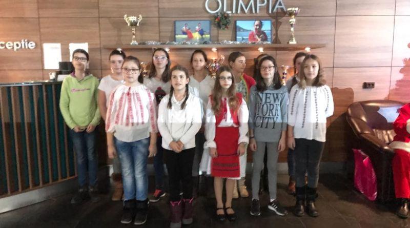 o4 - Moș Crăciun a venit la copiii Olimpiei