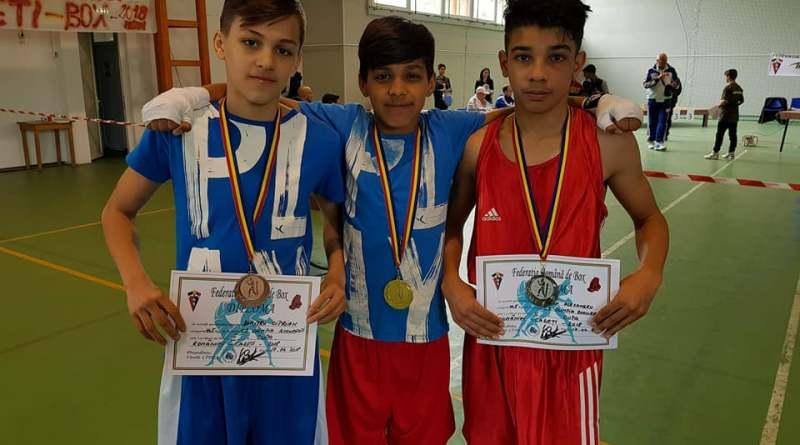 boxcadeti - Trei medalii pentru pugiliști