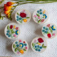 Cupcakes decorated with Kalocsa Embroidery for Women's Day
