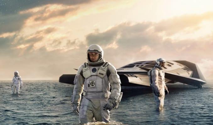 Interstellar (2014) Film Luar Angkasa Terbaik