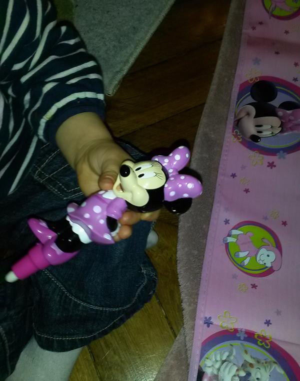 Crevette a testé l'aquadoodle Minnie