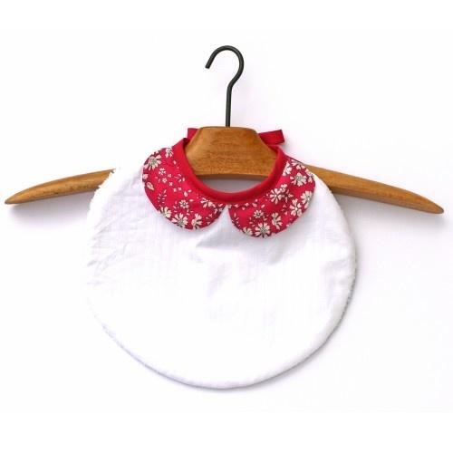 bavoir chic à 18,90€- le snood africain en promo à 12€ - la petite robe des champs sable à 45€ - Le duo maman-bébé écharpe/bavoir à 36,50€ -  l'elasti serviette trop canon à 16€ (neeeeed) -