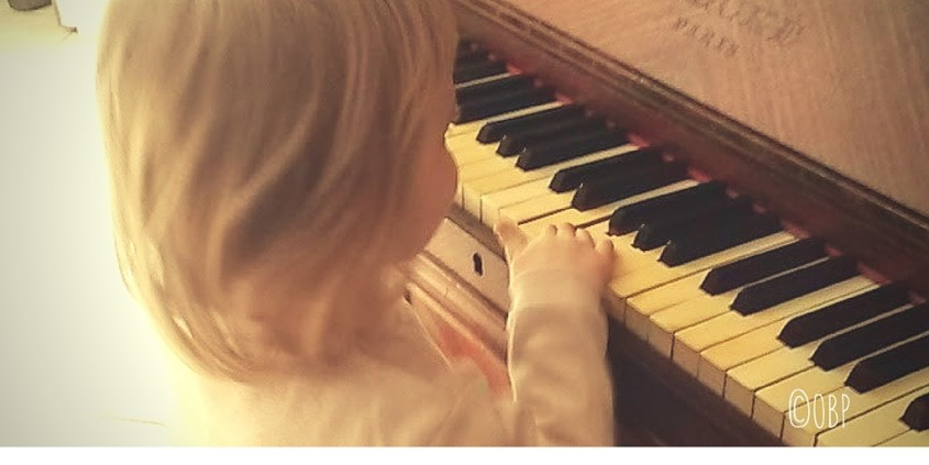 La petite fille qui chantonnait