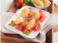 Recette de la Salade de lentilles, pois chiche, fèves, feta et jambon de Parme