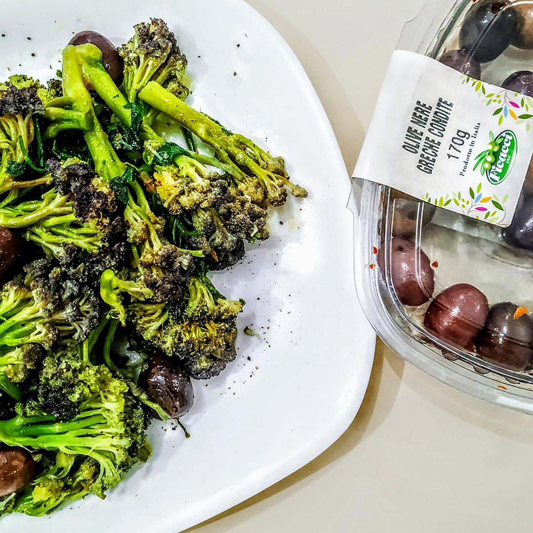 Broccoli-con-scalogno-olio-evo-e-olive-greche-3420