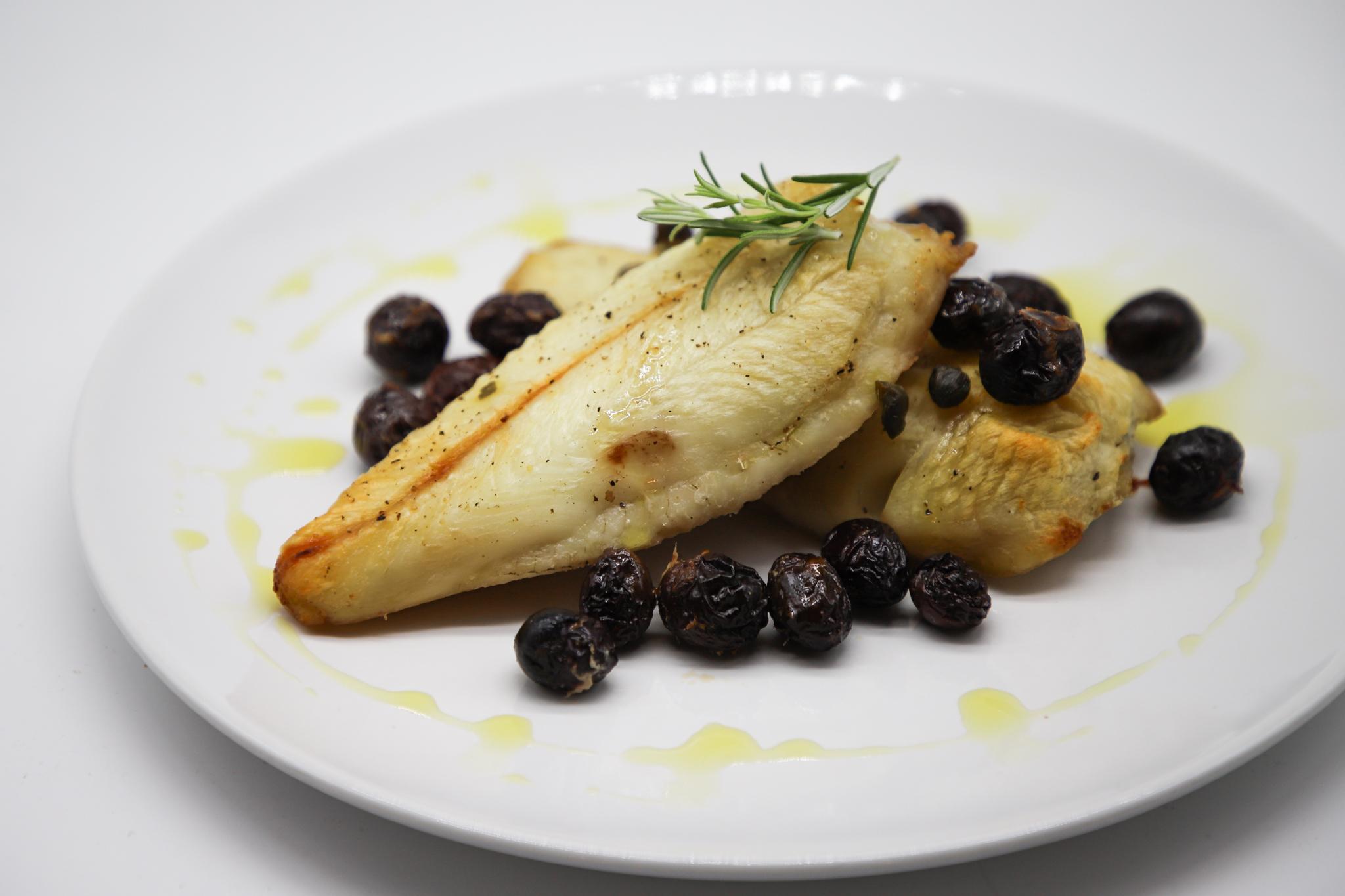 Merluzzo al forno con olive itrana nere