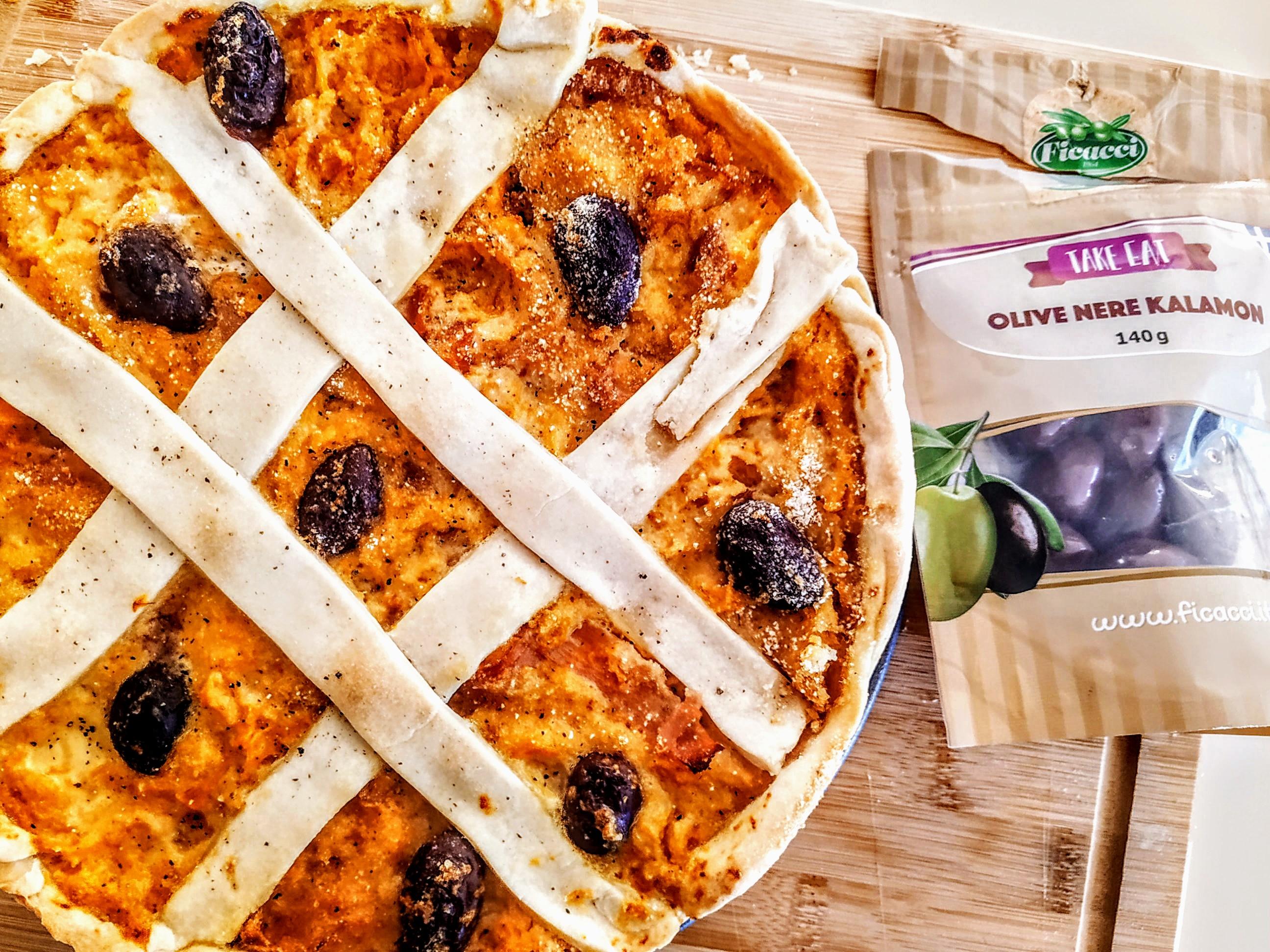 Quiche-con-zucca-prosciutto-crudo-e-olive-kalamon