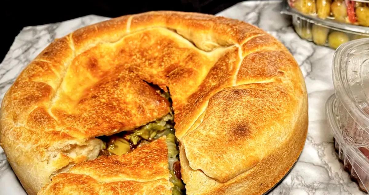 Pizza-di-scarola-con-olive