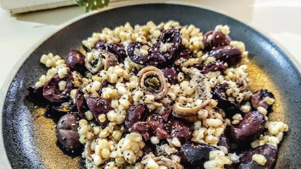 Grano-duro-con-olive-e-alici-ai-capperi