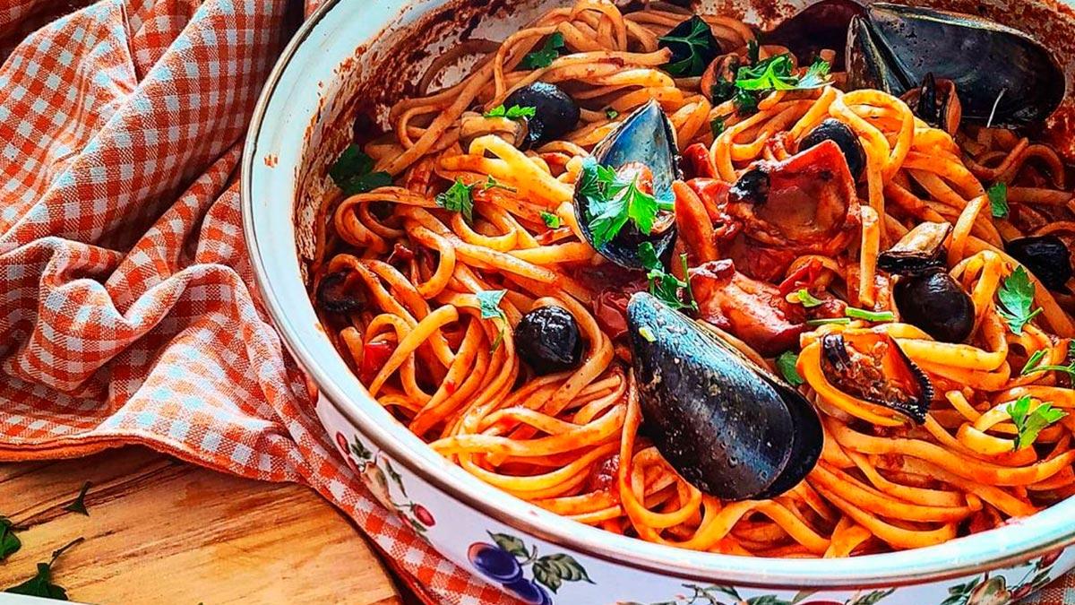 Linguine-con-polpo-cozze-ed-olive