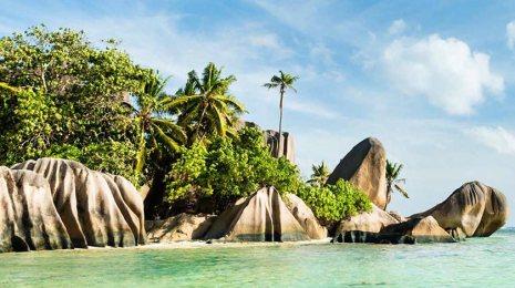 seychelles beach panorama