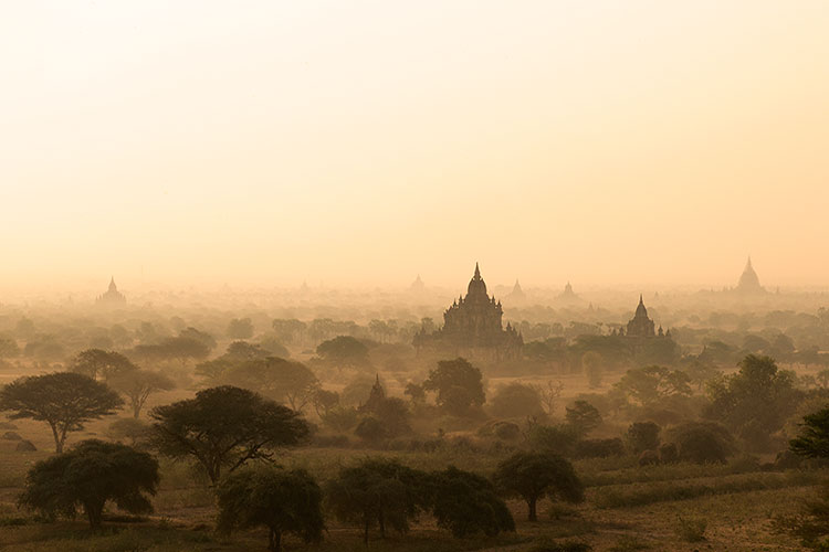 burma-bagan-temples-sunrise
