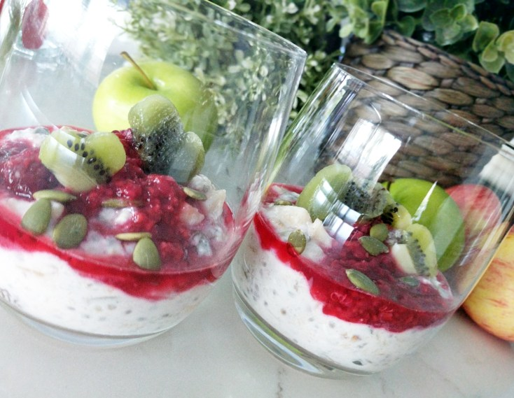 Apple and Chia Overnight Oats for Breakfast