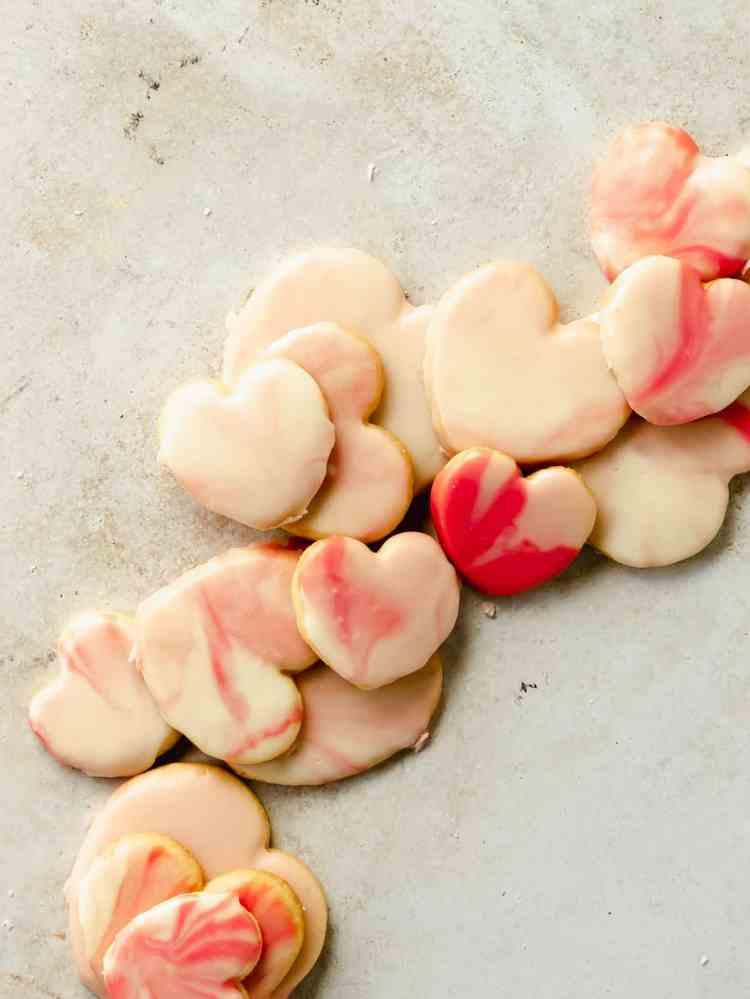 marbled heart sugar cookies