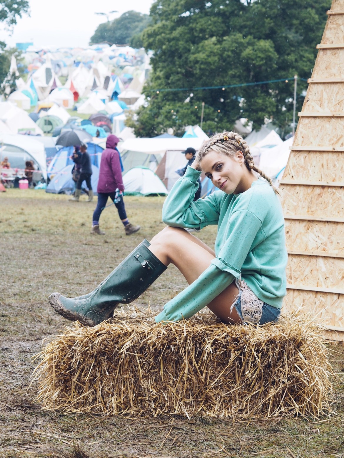 Olivia Cox, Port Eliot, festival, Cornwall, fashion, beauty, braids, Lyndell Mansfield, schwarzkopf, got2b, live color, pastel hair