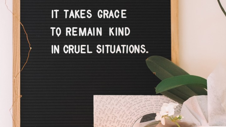 4 Ways To Deal With Unkind People Gracefully