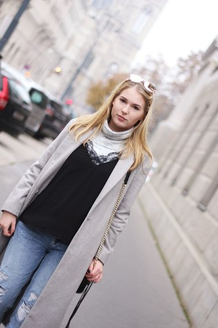 oliviasly_outfit_fall_winter_sneaker_grau_mantel5