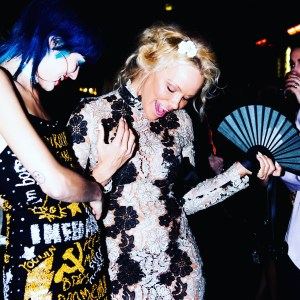 Pamela Anderson, Olivier Bernoux, Fans & Friends, Fans & Bags, Fans & Clutches, Fans & Fashion, Weapons of Seduction, Fans, Eventail, Abanico, Handfan, fancy, Elegant, Evening, Handmade, provocation
