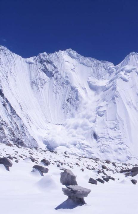 Avalanche sur les pentes du Chogolisa, le 15 août 1999