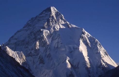 Le K2 dégagé à cinq heures du matin, le 15 août 1999