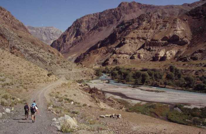 La vallée d'Artcha Maïdan en aval du confluent avec la rivière Sarymat, le 14 août 2004