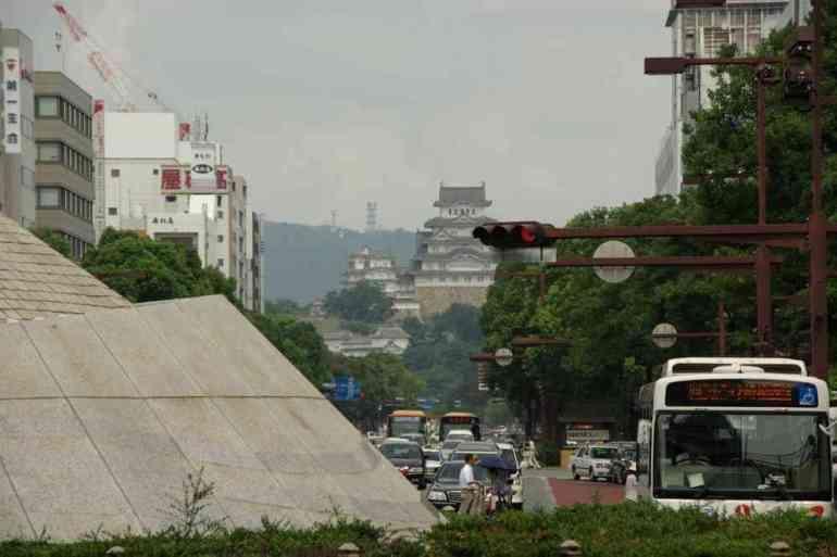 Le château d'Himeji vu depuis le quartier de la gare, le 9 septembre 2007