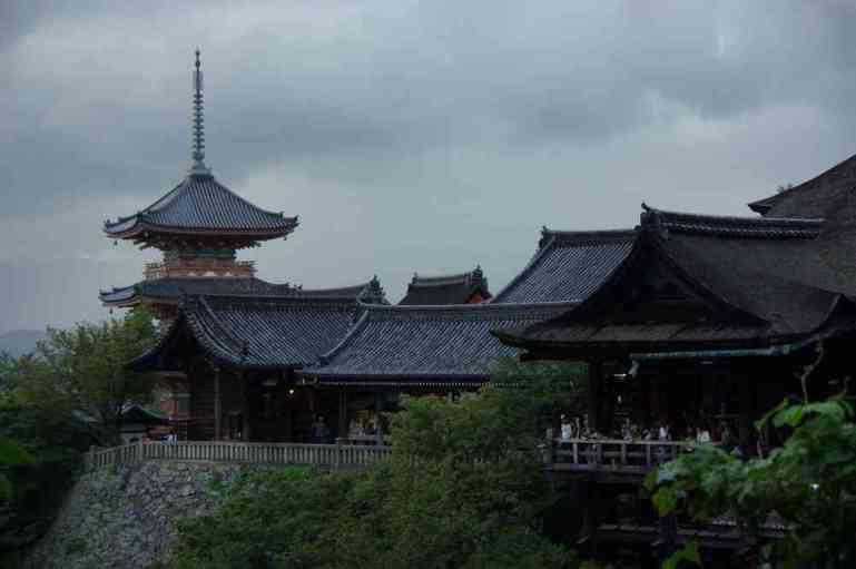 Vue générale du temple de Kiomizu-dera (Kyōto), le 15 septembre 2007