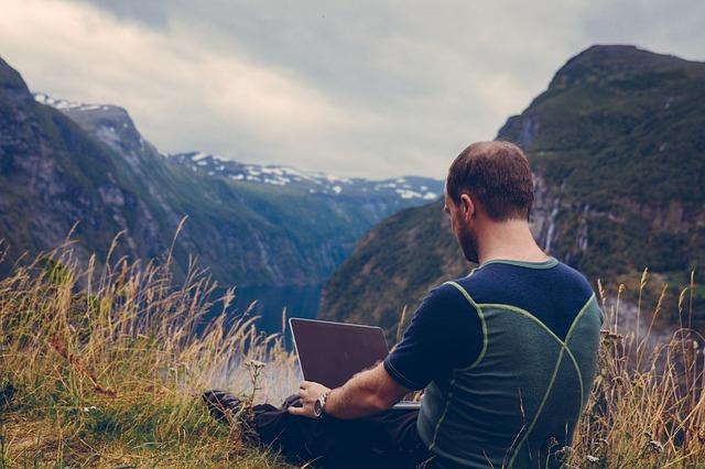 devenir digital nomad choisir son activité
