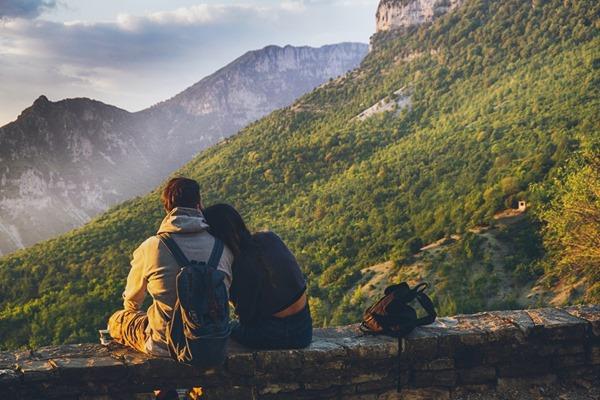 ouvert aux rencontres amitiés à l'étranger