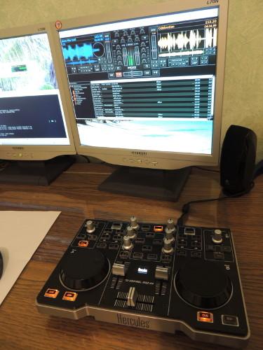 Contr leur de mixage hercules dj control mp3 e2 et linux - Table de mixage hercules dj control mp3 e2 ...