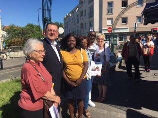 En campagne sur le marché de Champigny ce matin aux côtés de Caroline Adomo, candidate dans la 5e circonscription