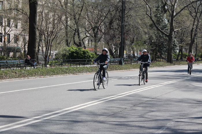 2014 USA NY faire du vélo à Central Park