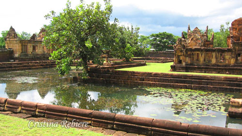 Prasat Muang Tam temple - Thailand Central & North - Travel eGuide - OlivierRebiere.com