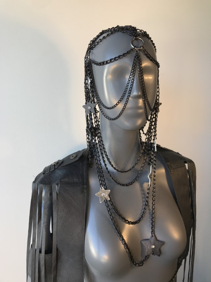 Face Mask Star - black leather, black chain
