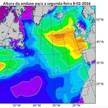 Mar de fondo do noroeste, con ondas de 6 a  9 metros