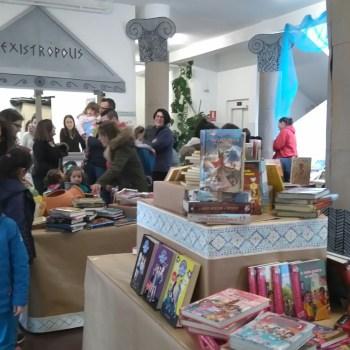 A escola Nicolás del Río de Cedeira celebrou a súa 5a Feira dos Libros