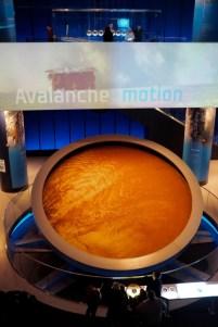 Granular avalanche