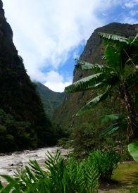26 aguas calientes willkanuta river