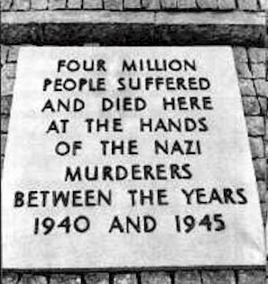 Auschwitz_plaque_4mil.jpg