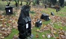 Κάλυψαν τις ταφόπλακες για χρωστούμενα ενοίκια