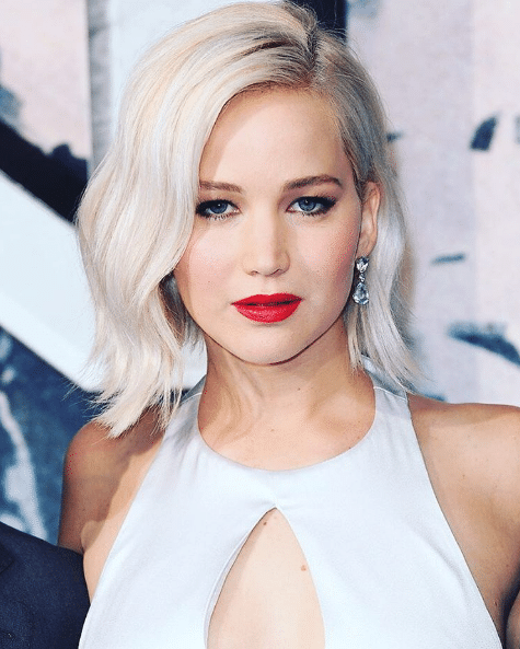 cabelo platinado Jennifer Lawrence