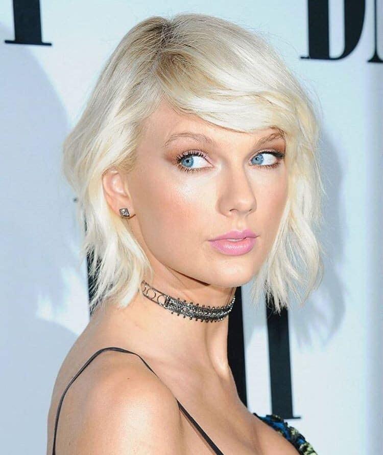 cabelo platinado Taylor Swift