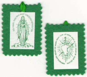 Front and reverse sides of the Green Scapular