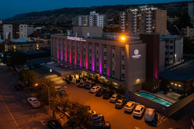 Aerial Commercial photoshoot of the doubletree hotel by Hilton
