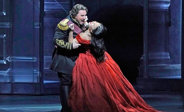 Review: Gustavo Dudamel Delivers a Seething 'Otello'