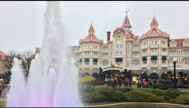 Exploring The Six On Site Hotels At Disneyland Paris