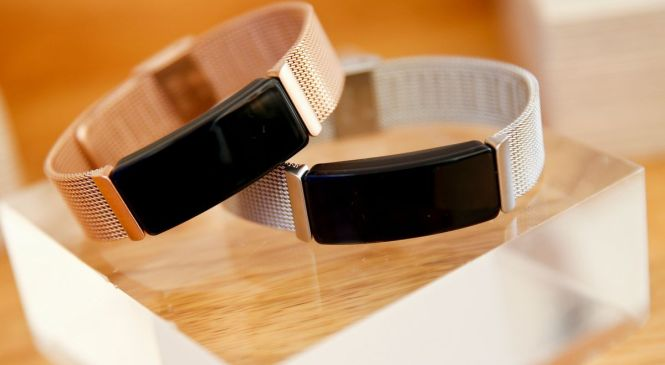 Fitbit launches lower-cost fitness devices to combat Samsung, Apple – The Globe and Mail