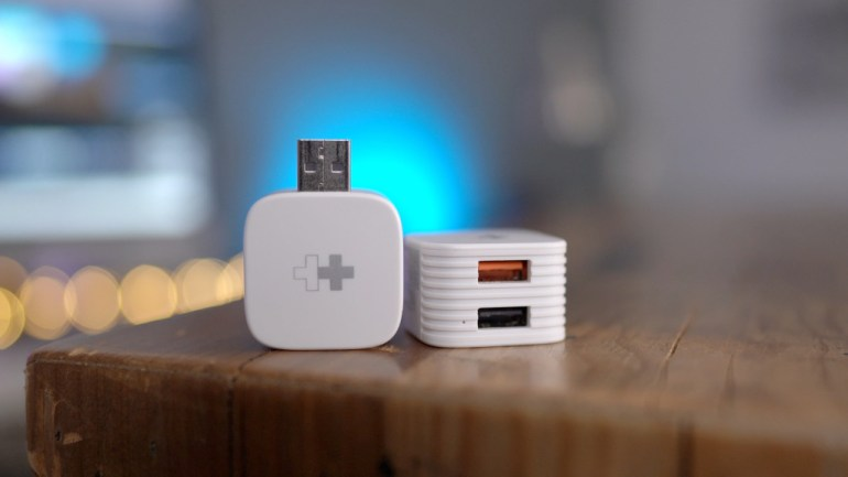 Hands-on: HyperCube automatically backs up your iPhone to USB or microSD storage